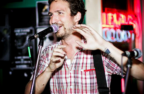 Frank Turner live at the Surfside 7